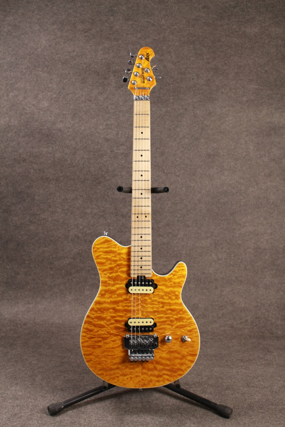 Ernie Ball Music man Axe eletric guitare qualité AAAAA quilted maple top floyd rose pont