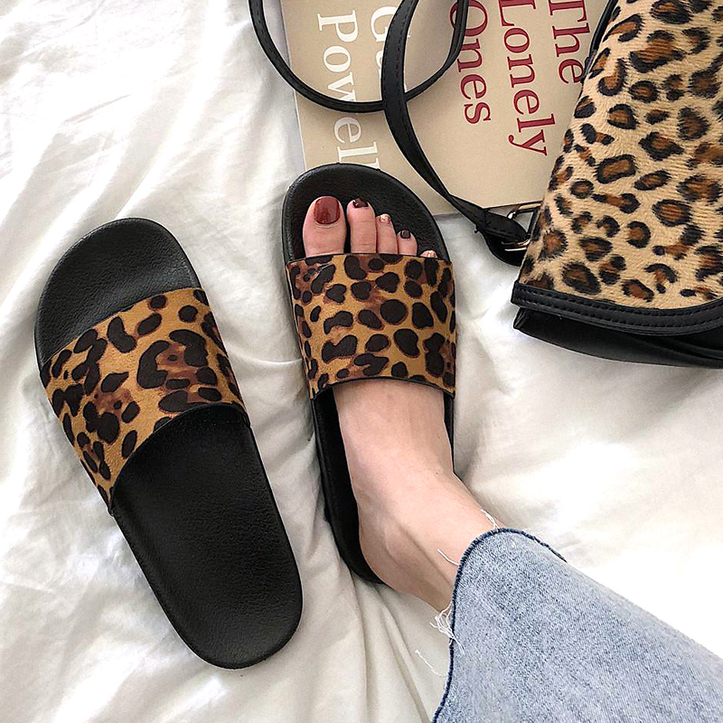 Summer Slippers Women Slides Leopard Indoor & Outdoor Slippers Platform Sandals Shoes Women Slip On Flip Flops Zapatillas Mujer