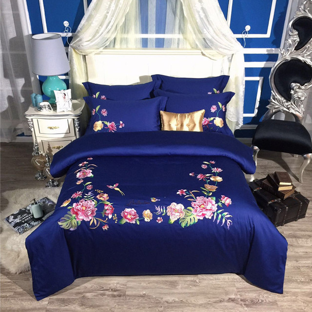 2017 New Bedding Set Egyptian Cotton Bed Sheets Flowers Embroidery Duvet  Cover Flat Bedspread Sets Juegos