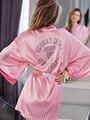1 шт. Женщины Сексуальное Женское Белье Горячей Атласные Кружева Розовый Кимоно Интимная Пижамы Халат Свадебные Sexy Babydoll Ночная рубашка Сексуальная носить