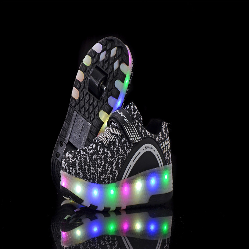 цена на Kids shoes children LED with Double TWO wheel boy Girl roller skate casual shoe Kids shoes boys shoes tenis infantil ruedas