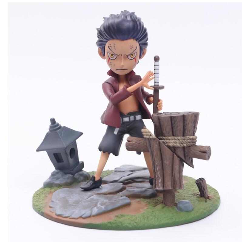 One Piece Young Ver. Mihawk 1/8 scale painted figure Children Ver. Dracule Mihawk figure Toys Anime