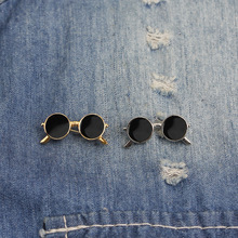 Retro interesting black sunglasses Pins and brooches pin Badges Hat Backpack Acc