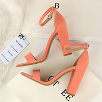2018 Summer Fashion Classic Woman 9cm High Heels Sandals Female Block Purple Pink Heels Pumps Lady Strappy Chunky Scarpins Shoes