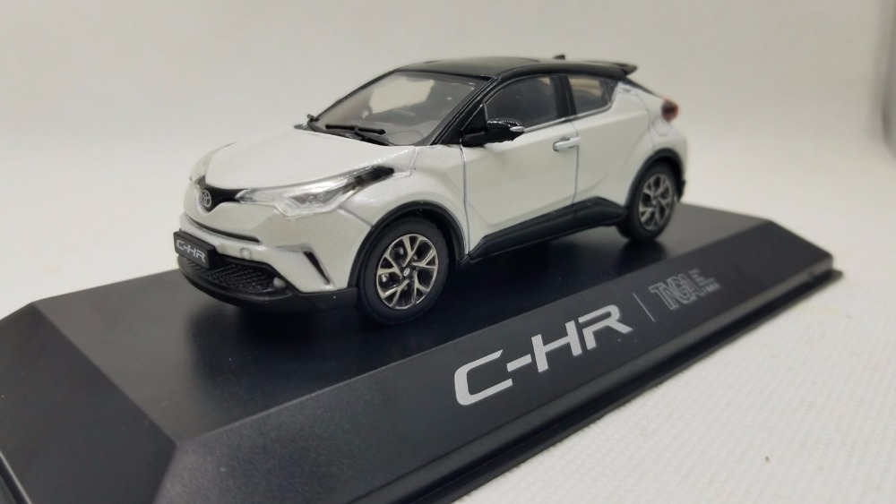 1:43 Diecast Model for Toyota C HR 2017 White SUV Alloy