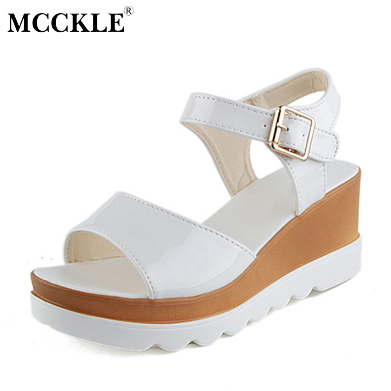 MCCKLE Women Shoes Flat Platform Sandals Gladiator Patent Leather Sandals Thick Bottom Casual Shoes Woman Wedges Sandals timetang 2017 leather gladiator sandals comfort creepers platform casual shoes woman summer style mother women shoes xwd5583