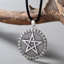 CHENGXUN Men Women Slavic Amulet Necklace Odin Symbol Nordic Ethnic Charm Pendant Pentagram Star Wiccan Necklace for Boyfriend(China)
