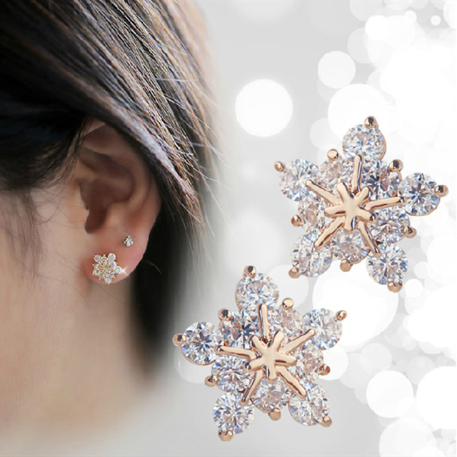 Fashion Korean Cute Gold Tone Crystal Rhinestone Snowflake Ear Stud Earrings Jewelry For Women Xmas Gift