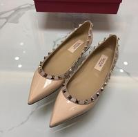 2019 Europe spring new V rivets shoes women flat patent leather shallow mouth pointed toe shoes flat shoes ladies shoes