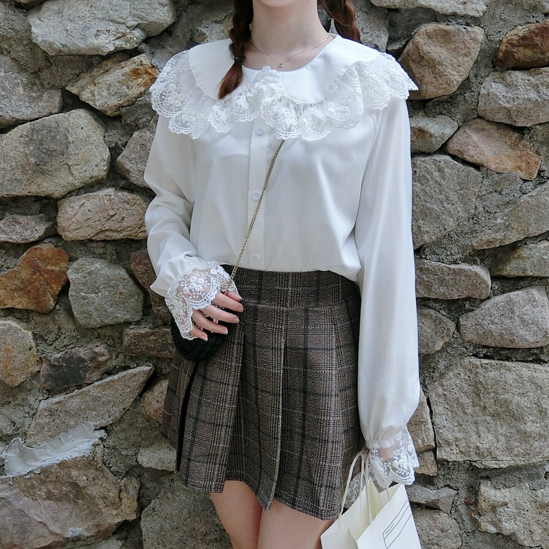 Sweet Lolita Shirt 2019 Mori Girls Autumn Spring Japanese Style Peter Pan Collar Long Sleeve White Red Lace-up Blouse Women's Clothing