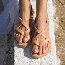 أردن Furtado 2019 الصيف موضة عادية المتأرجح ضيق الفرقة أحذية الشاطئ السيدات مشبك المصارع صندل مسطح حجم كبير 43
