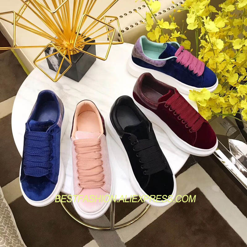 Ins Hot Autumn Winter Shoes Woman Casual Lace Up Velvet Flats Round Toe Cozy Platform Flats Design Woman Shoes Superstar Shoes winter women casual shoes 2018 hot red round toe lace up snake pattern fur women flats velvet platform shoes women zapatos mujer