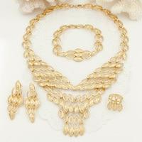 Moda italiana a forma di V collana di disegno Dubai oro placcato set di gioielli da sposa oro collana bracciale orecchini anello