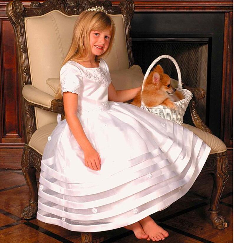 2017 Elegant ball gown   flower     girl     dresses   Floor Length Appliques Organza Short Sleeves First Communion   Dresses   Tiers Kids