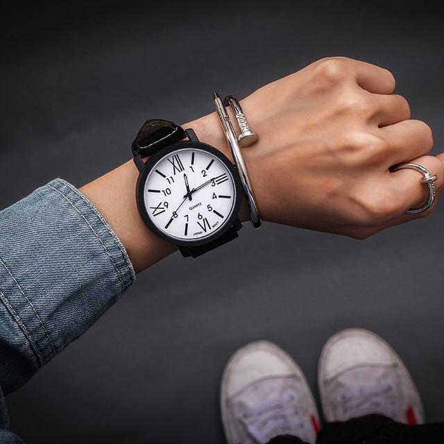 Hot Sale Women Bracelet Watch Fashion Clock Waterproof Vintage Watch Roman Numerals