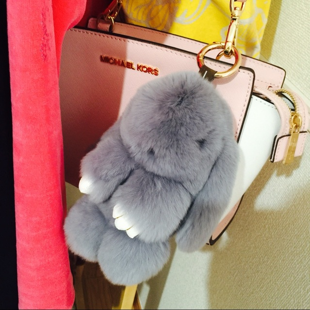 Light Gray Pom pom Bunny Keychains Handbag charm Rabbit Fur keyring Khaki fur cham Car Keychains Backpack Wallet Pendants