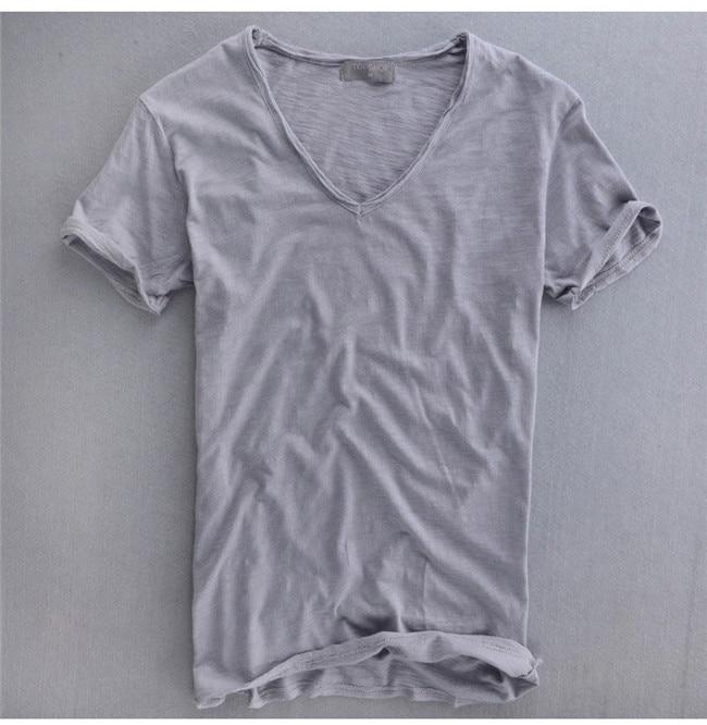 81b410fa1d8 US $16.34 5% OFF Zomer Mens 100% Katoenen T shirt Plain White Ademende  mannen V hals Vintage Retro Tee Tops T shirts SEXY t shirts voor Mannelijke  M ...