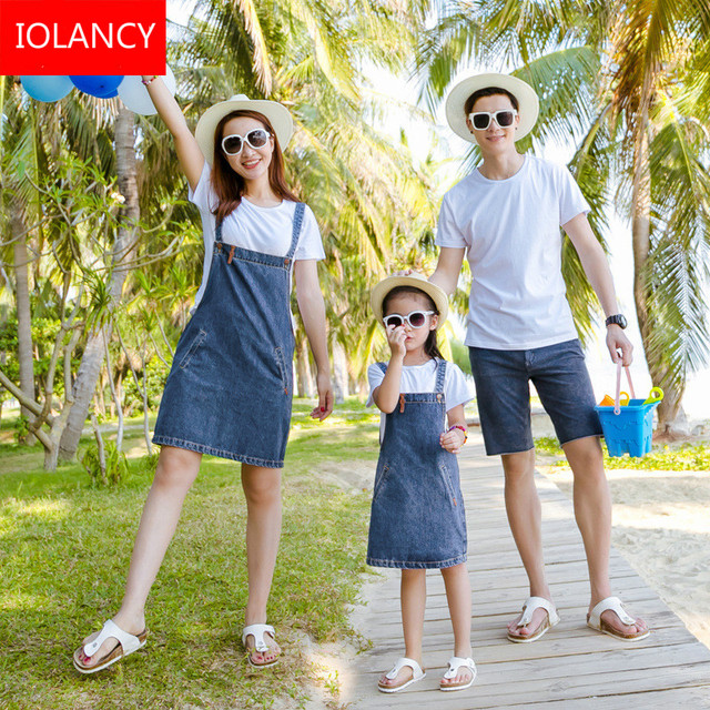 81503d99f5 2pcs Mother Daughter Dress Family Matching Clothing Set T Shirt+Denim Skirt  Jeans Mother and Daughter Father Son Clothes CC748
