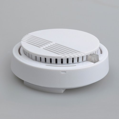 цена на YobangSecurity High Sensitivity Photoelectric Smoke Detector Fire Alarm Sensor For Home Fire Safely Independent Smoke Sensor.