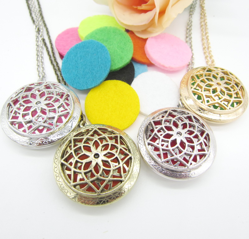 Women`s Floral Hollowed Out Locket Photo Frame with 8pcs Changeable Felt Pads DIY Essential Oil Pendant Necklace Bijoux
