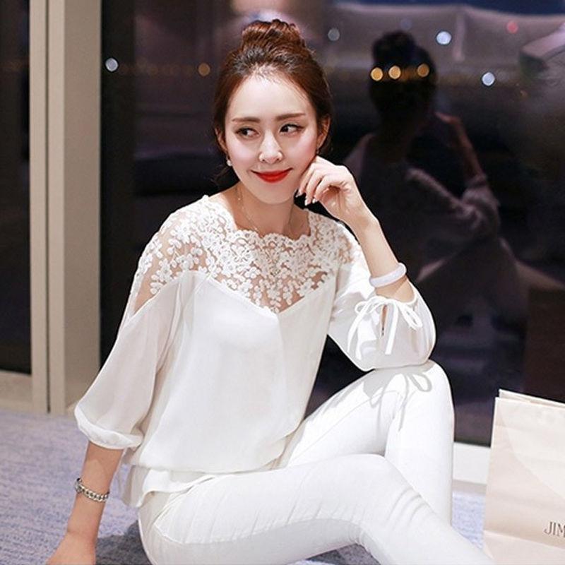 3817c4b3144 Women Blouses Fashion Loose Chiffon Blouse Ladies Lace Top Shirts Casual  Shirt for Women Black White Plus Size blusas de verao-in Blouses & Shirts  from ...