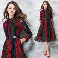 Estación de europa 2017 nueva exquisito bordado de encaje golpeó azul verde y rojo tira de color emparejado elegante patrón de flor de señora dress