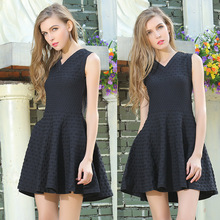 The new spring and summer 2016 Korean A word bottoming red sleeveless knit dress slim waisted black dress