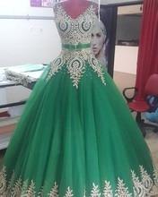 Schöne Grüne Ballkleid Gold Spitze Appliques Abendkleider Sexy V-ausschnitt Perlen Partei Abendkleid Saudi-arabien 2017 Prom kleid