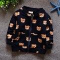 Camiseta de los niños Al Por Menor 2016 Nueva Primavera de Manga Larga de Algodón Casual Capa de la Rebeca de Impresión Del Oso Ropa de Bebé Niño