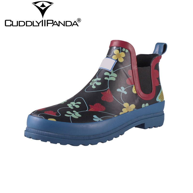 CuddlyIIPanda 2018 New Rubber Rain Boots Waterproof Women Chelsea Boots Flowers Print Ankle Boots Fashion Rainboots Botas Mujer free shipping fashion madam featherweight rubber boots rainboots gumboots waterproof fishing rain boots motorcycle boots