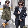 Invierno Chaqueta de Los Niños Chicos Abrigo De Pieles Con Capucha Larga Negro de Algodón Gruesa marca Down Jacket Outwear Boy 2017 Venta de la Manera Caliente Abajo Chaquetas