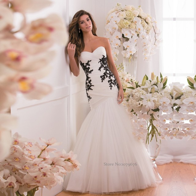 Exquisite Long Strapless Tulle Bridal Wedding Gowns 2015 Pleated Apppliques  Beads White and Black Mermaid Wedding 2e7d2aa38250