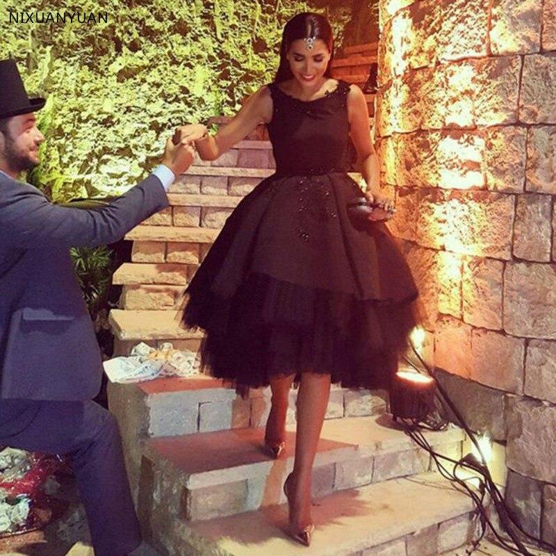 Offre spéciale robes De Cocktail noir Sexy dos nu Chic robe De bal courte dentelle Applique arabe vêtements De cérémonie Vestido De Festa Curto