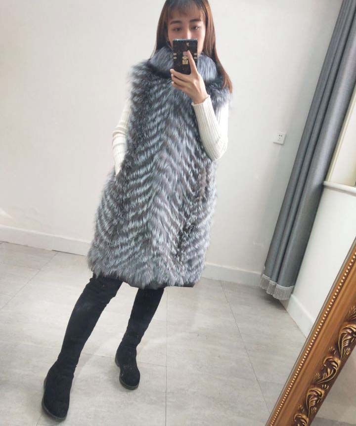 New fox fur female vest leather grass long section vest silver fox color car crafts down thick liner warm coat