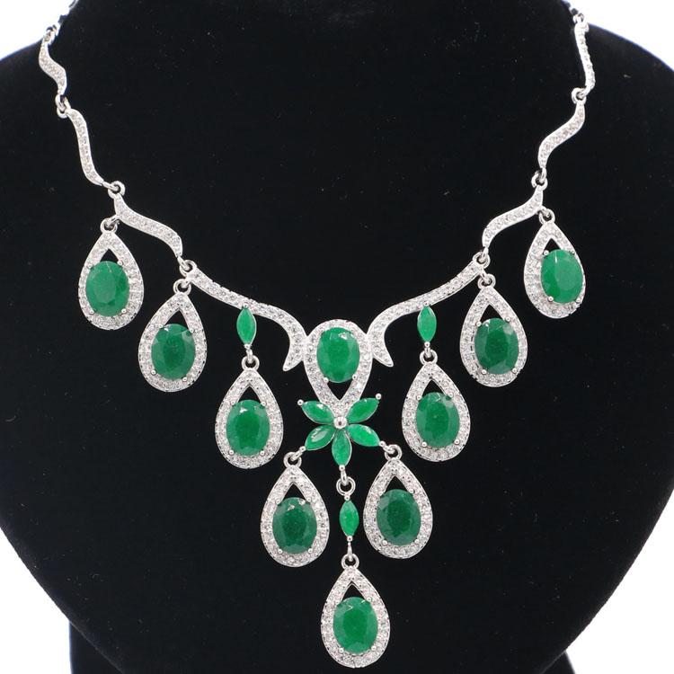 SheCrown Real Green Emerald White CZ  Engagement CZ 925 Silver Necklace 18-18.5in 75x54mmSheCrown Real Green Emerald White CZ  Engagement CZ 925 Silver Necklace 18-18.5in 75x54mm