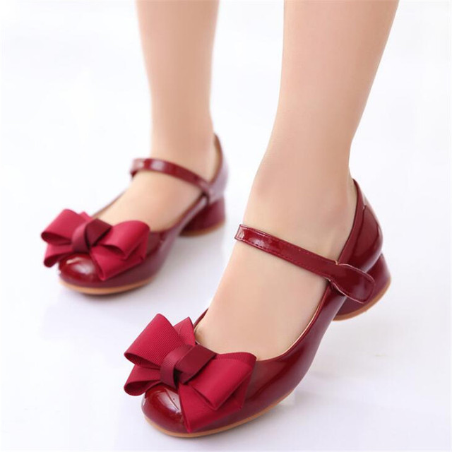 d9ddb39b88 US $9.85 27% OFF 2019 new children's princess shoes children's fashion  small leather shoes bow girls high heels Girl wedding dance shoes -in  Leather ...