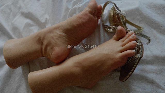 angry feet 3D silicone  girls foot  feet   job sex  dolls mannequin tanning skin natural clear  toenails