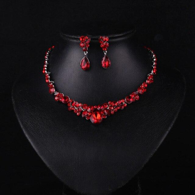 Elegant Necklaces for Prom