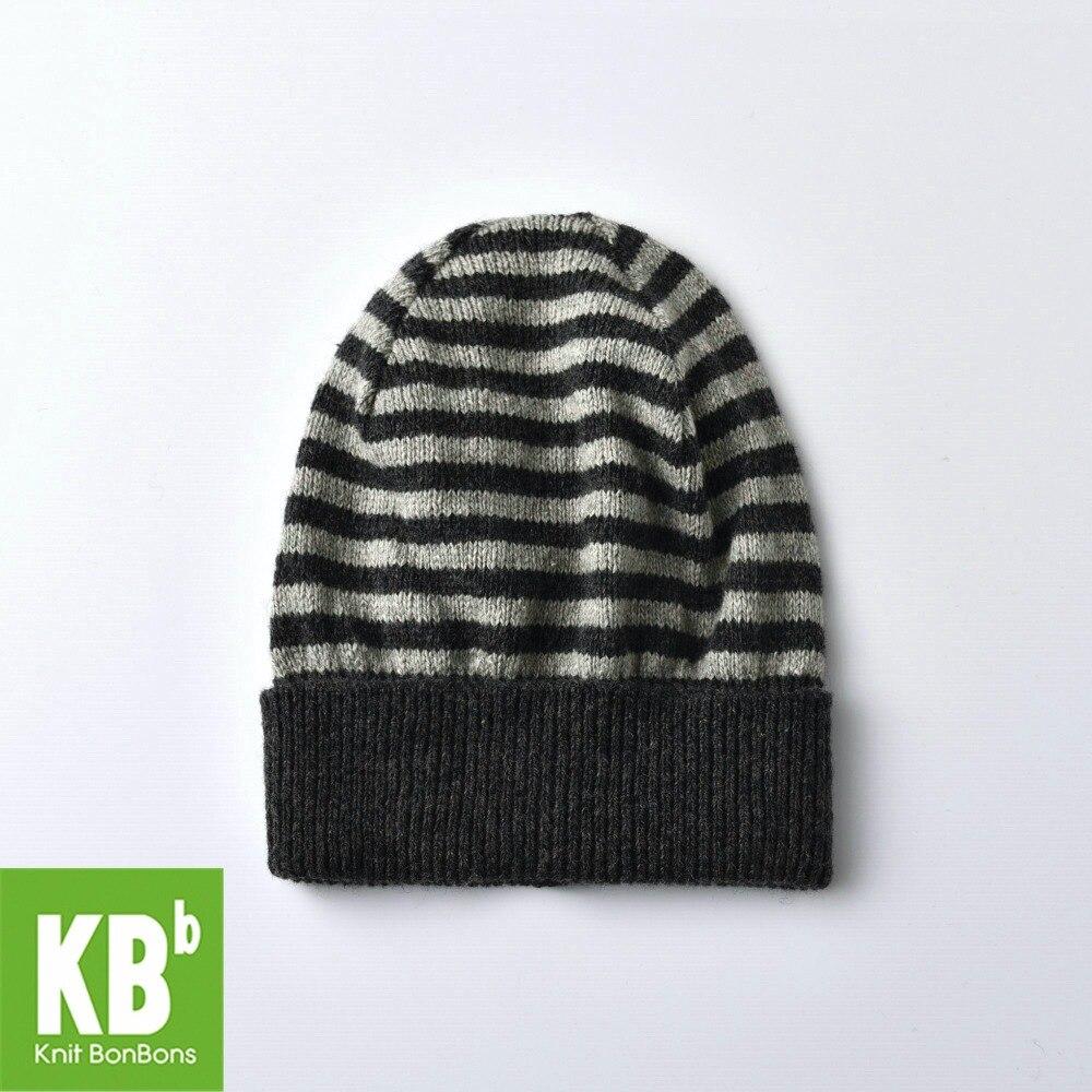 2018 KBB primavera con estilo clásico negro y gris hombres mujeres adulto  niños rayas Beanie invierno cálido sombrero femenino e679311eeba