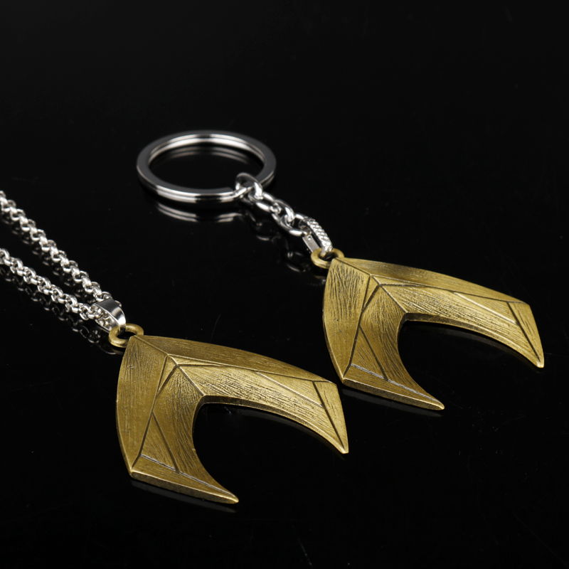 Wholesale Justice League Aquaman Alloy Keychain Metal DC Comics Superman Pendant Key Chain Ring Movie Jewelry
