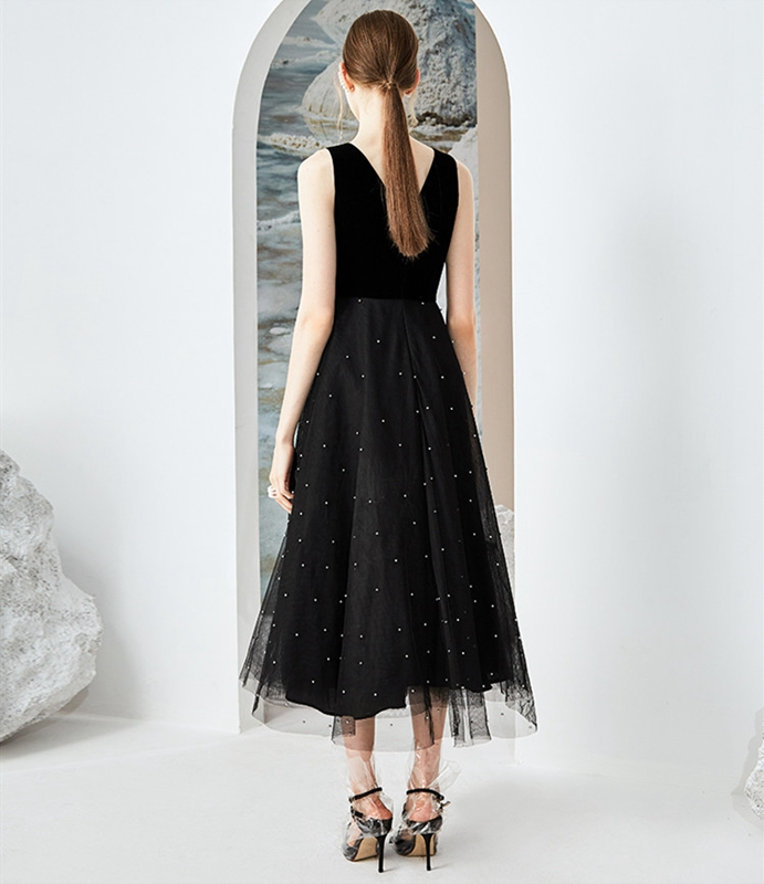Black Tulle Evening Dress 2019 New Pearls Deep V Neck Tea-Length A line Sleeveless Simple Style Elegant Party Formal Prom Gown