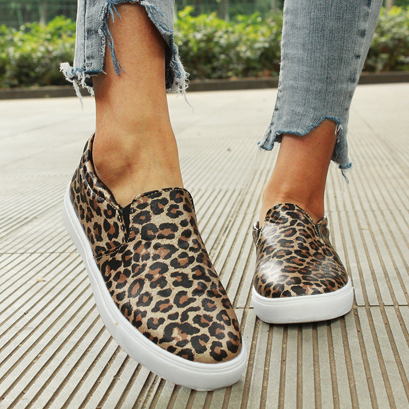 Women flat shoes 2019 new female leopard snake print loafers soft bottom one pedal lazy shoes women slip on flats