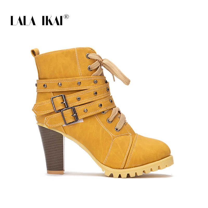 LALA IKAI kadın perçin dantel Up kış çizmeler kanca Hoop toka nubuk yüksek topuk yuvarlak ayak platformu tıknaz çizmeler 014C2241 -4