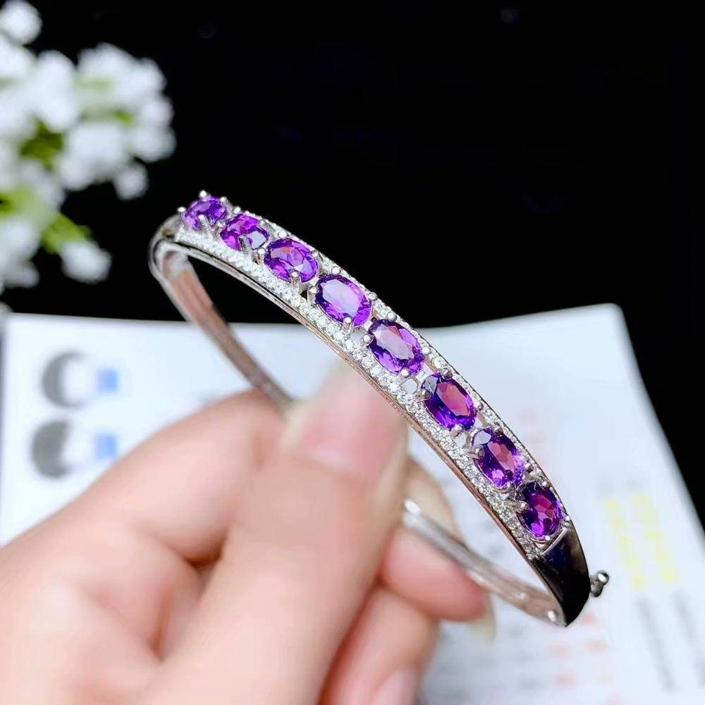 Incroyable bracelet en améthyste rouge pour femmes confiantes