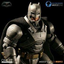 MEZCO Armadura Batman One: 12 Coletivo de Alta Qualidade 15 cm BJD PVC Super Hero Action Figure Brinquedos para meninos