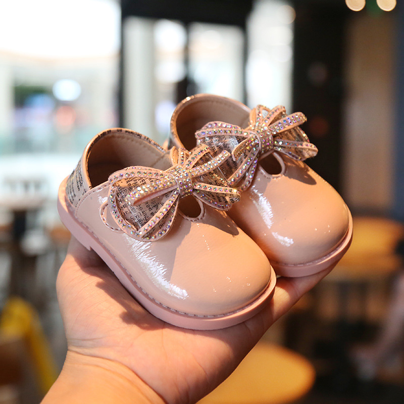 2019 Cute Baby Patent Leather Princess Shoes Baby Child Soft Bottom Toddler Shoes Girls Single Shoes Autumn First Walkers