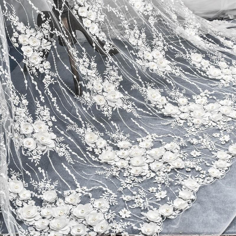 Luxe européen brodé en trois dimensions satin perlé paillettes robe de mariée dentelle tissu 130 cm de large