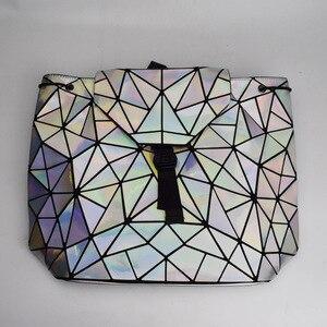 Image 4 - 패션 여성 drawstring 배낭 기하학 여성 배낭 십 대 소녀 bagpack 홀로그램 숙 녀 바오 학교 가방 sac