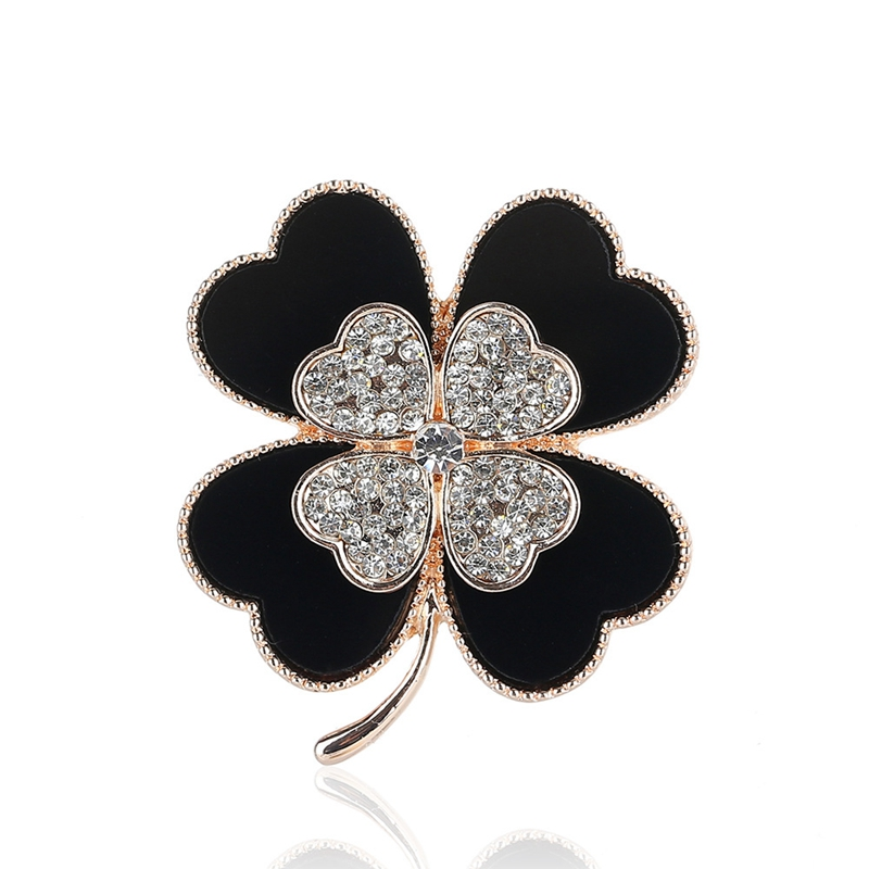 Fashion Brooches Four Leaf Clover Shape Color Block Chic Brooch for Ladies High Quality Luxury Jewelry For Girl Men XZ18S038