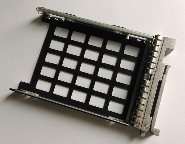 """UCS Server 2.5 """"SAS HDD Hard Drive Tray Caddy Trineo Soporte Número de pieza 800-35052-01"""